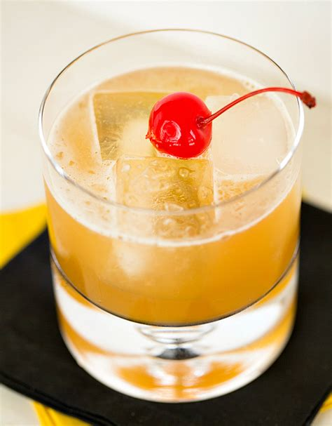 Amaretto Sour | The Drink Kings