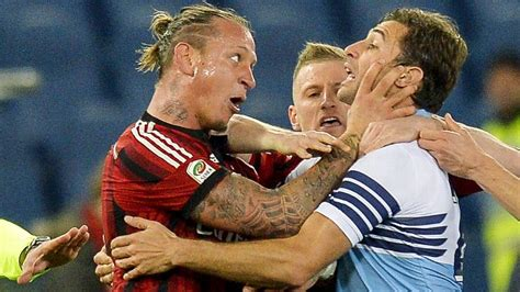 AC Milan's Philippe Mexes apologises for choking opponent