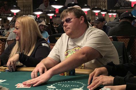 WSOP: Ben Mintz is Back Mixin' It Up in First Main Event