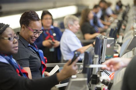 American Airlines Gates and Times