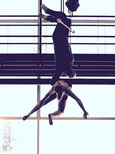 Aerial Trapeze 105937 | Talent Agency Rising Stars